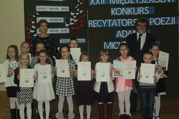 Uczniowie Recytowali Poezję Adama Mickiewicza Zdjęcia